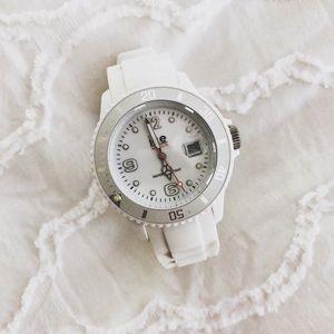 ✧ White ICE watch ✧
